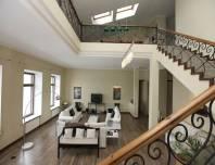 гостиная, видовая стильная квартира на Адмиралтейской наб. 10